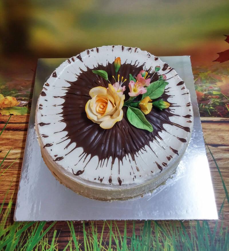 עוגת גבינה מעוצבת לשבועות