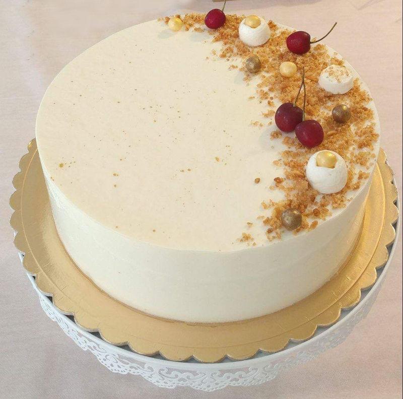 עוגת גבינה על בסיס בצק שקדים פריך לשבועות