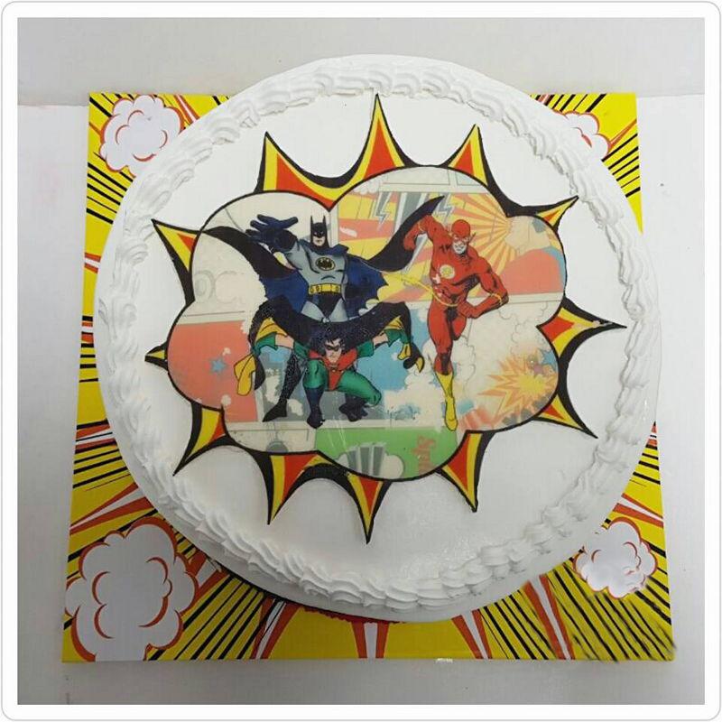 עוגת יום הולדת גיבורי על קומיקס