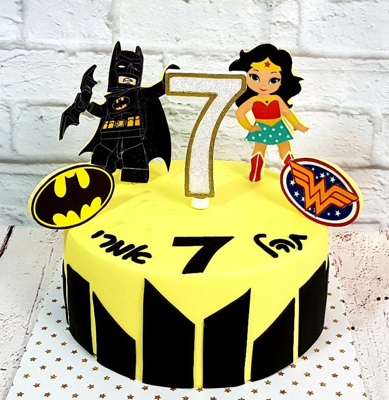 עוגת גיבורי על עם באטמן