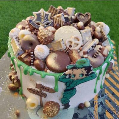 גיוס קל עוגת זילוף מעוצבת