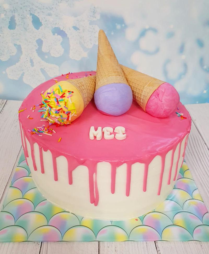 עוגת גלידה וסוכריות ליום הולדת
