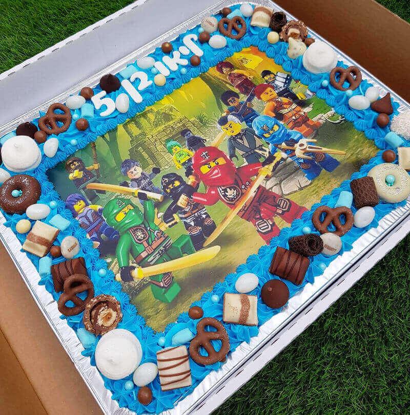 עוגת גן לגו נינגגו וממתקים