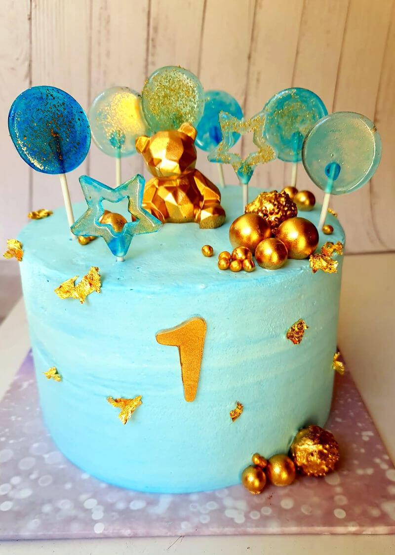 עוגת דובי וסוכריות לגיל שנה