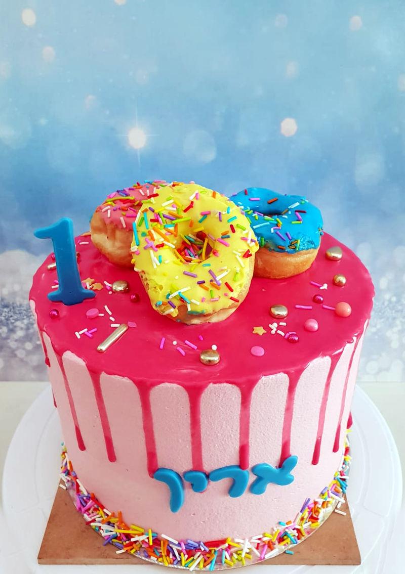 עוגת דריפ דונאטס וממתקים