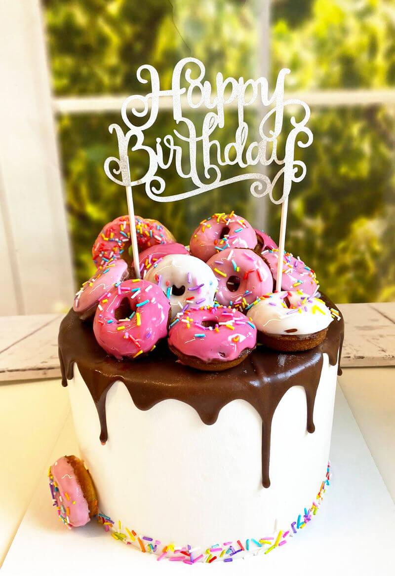 עוגת דונאטס וממתקים לבת