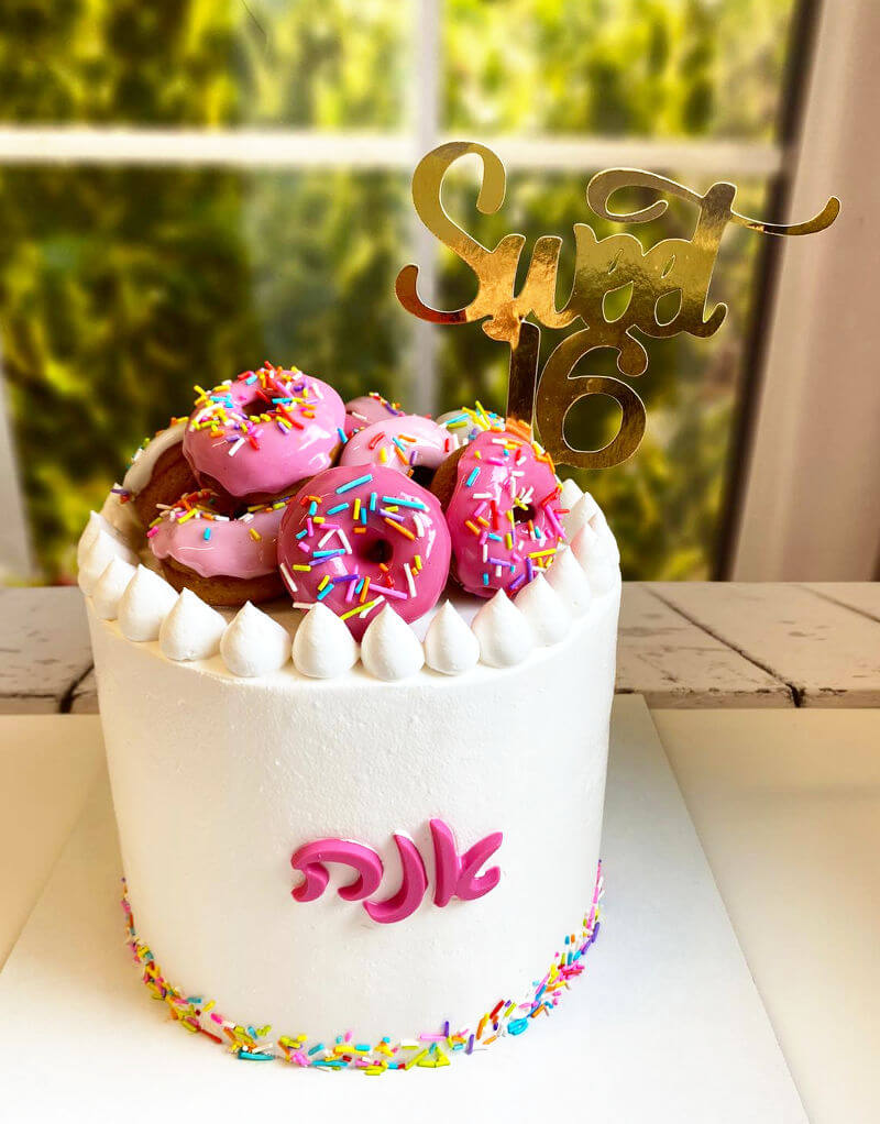 עוגת דונאטס מעוצבת