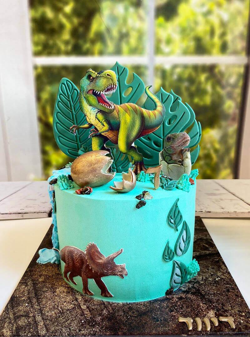 עוגת דינוזאורים מעוצבת פרווה