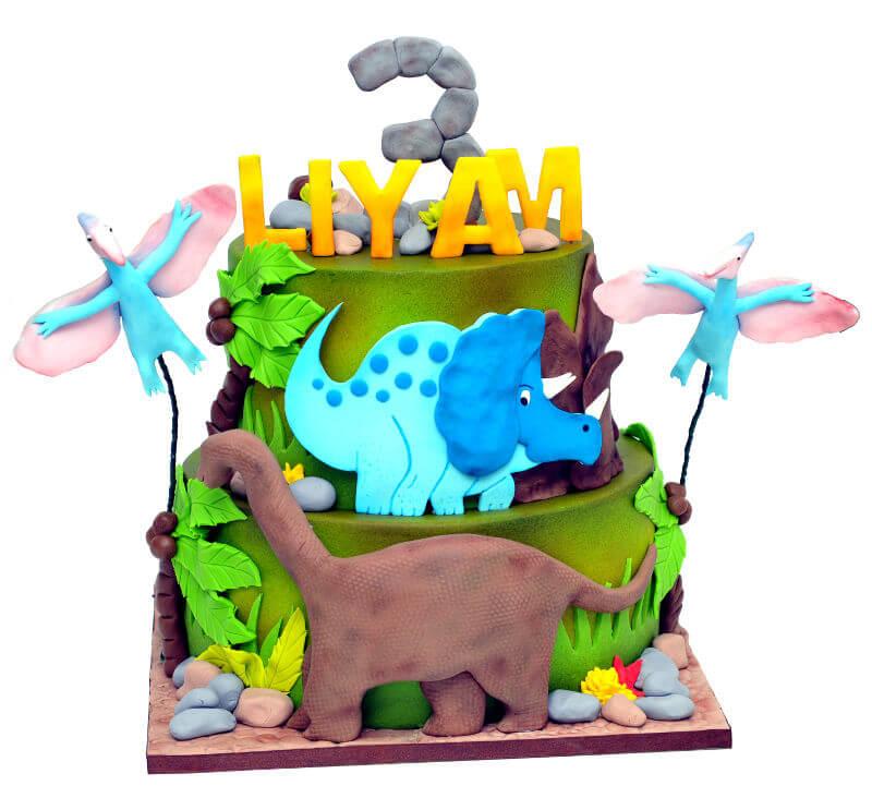עוגת דינוזאורים ליום הולדת