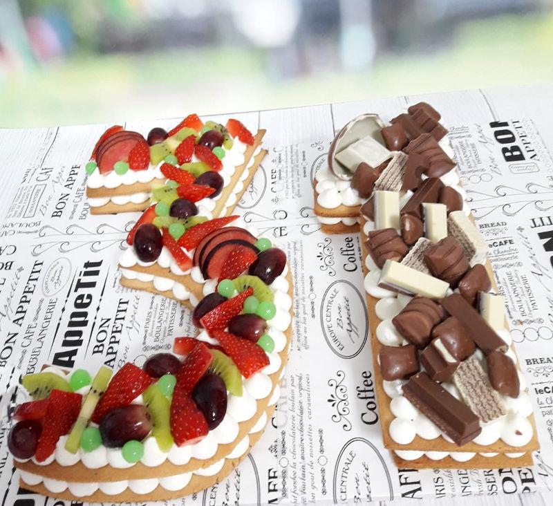 עוגת המספרים שוקולדים ופירות לגיל 31