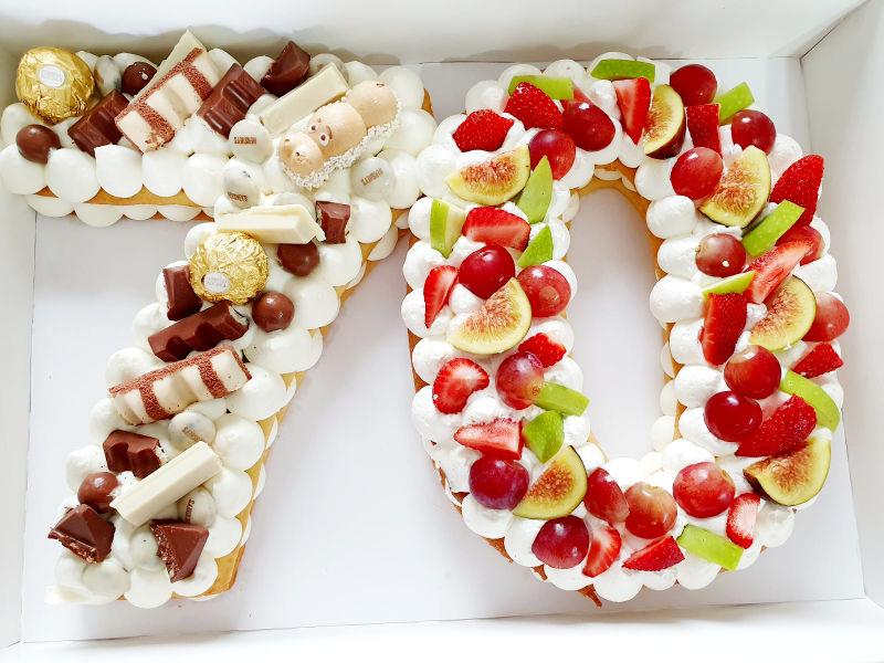 עוגת המספרים ופירות לגיל 70