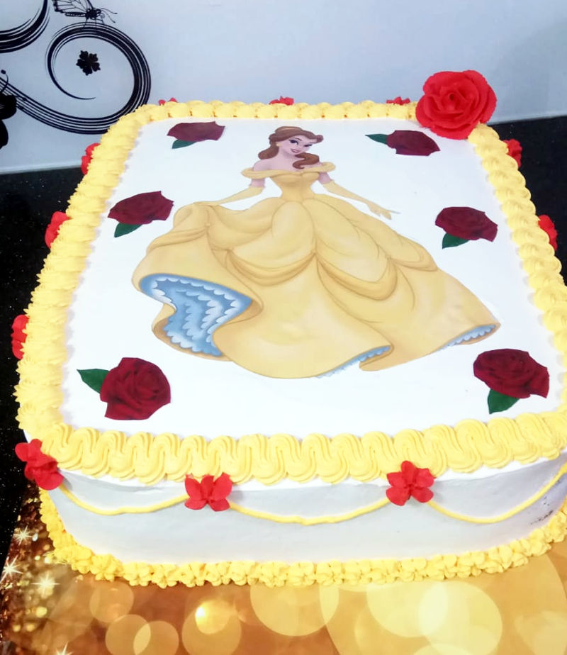 עוגה של הנסיכה בל מלבנית לגן