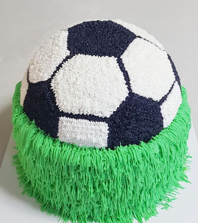 עוגת זילוף כדורגל