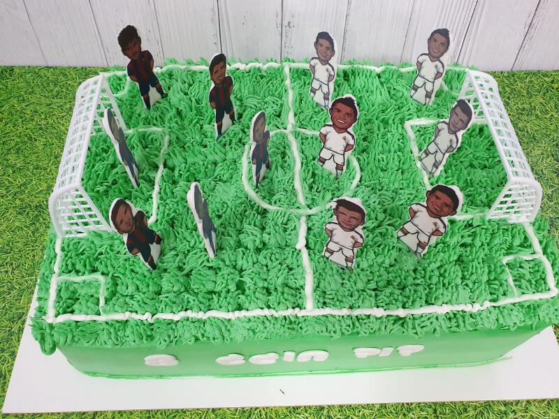 עוגת זילוף מגרש כדורגל