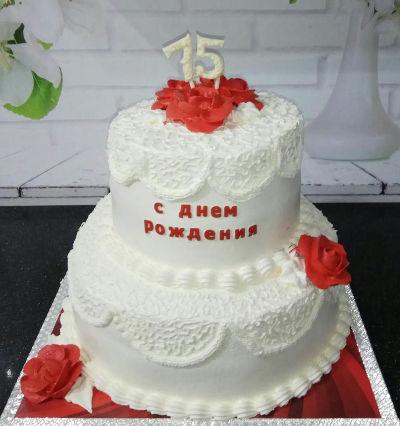 עוגת זילוף קומות מעוצבת