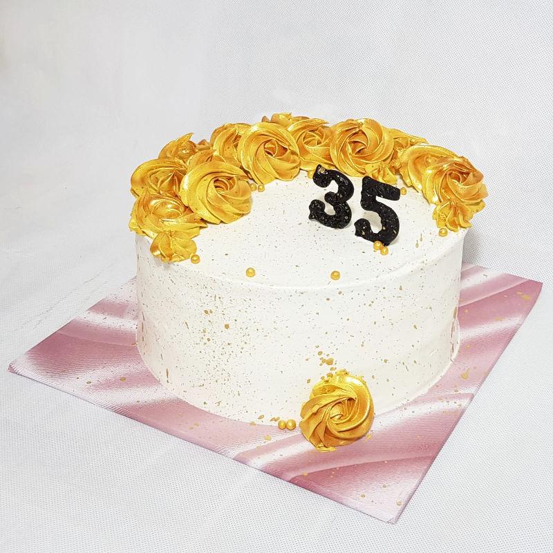 עוגת זילוף מעוצבת ליום הולדת