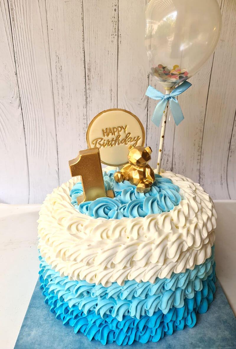 עוגת זילוף עם דובי ובלון לגיל שנה