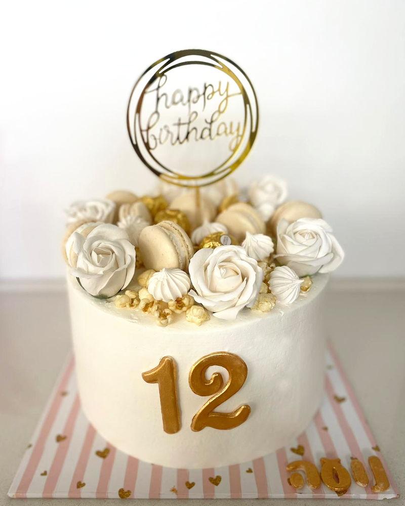 עוגת זילוף פרחים לבת מצווה