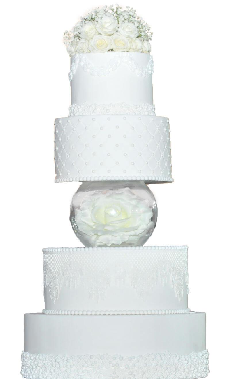 עוגת חתונה מפוארת מבצק סוכר
