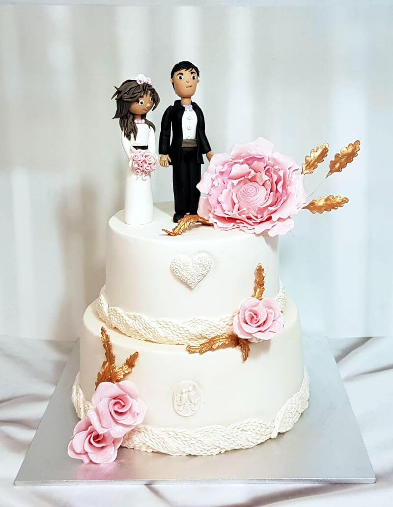 עוגת חתונה כשרה מפוסלת