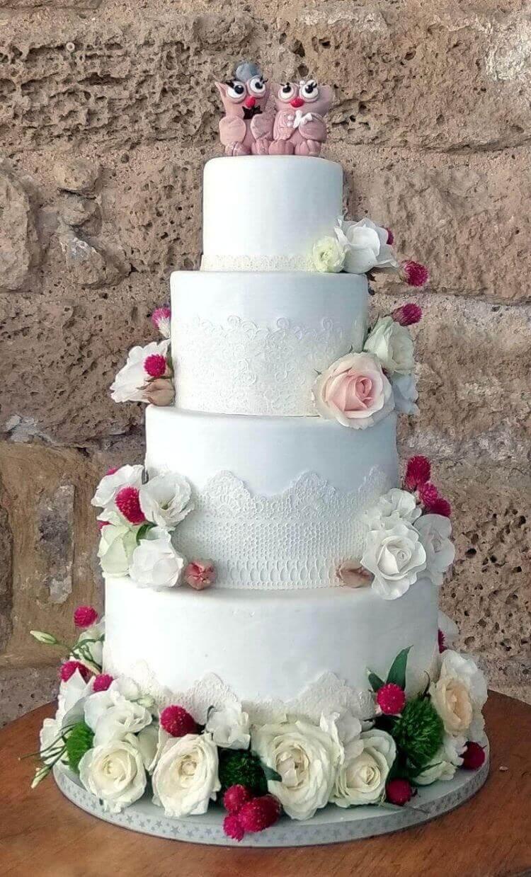 עוגת חתונה לבנה הומוריסטית