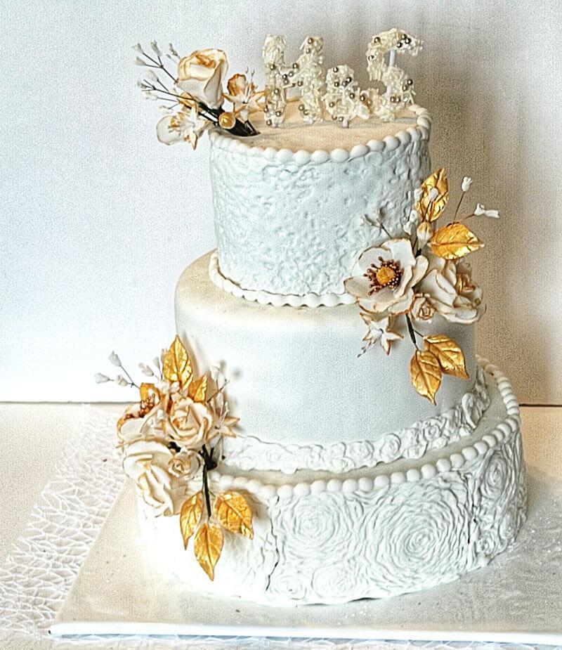 עוגת חתונה מוזהבת