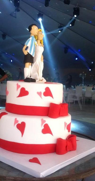 עוגת חתונה מיוחדת מבצק סוכר
