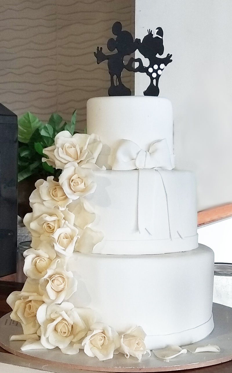 עוגת חתונה מיוחדת מיני ומיקי מאוס