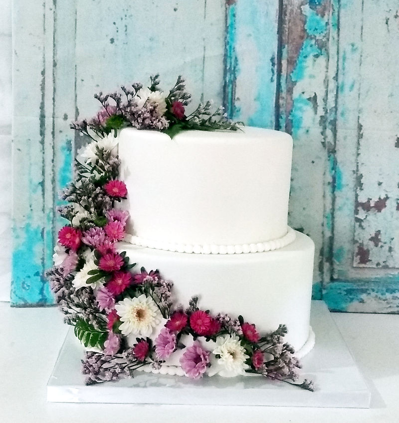 עוגת חתונה מיוחדת עם פרחים
