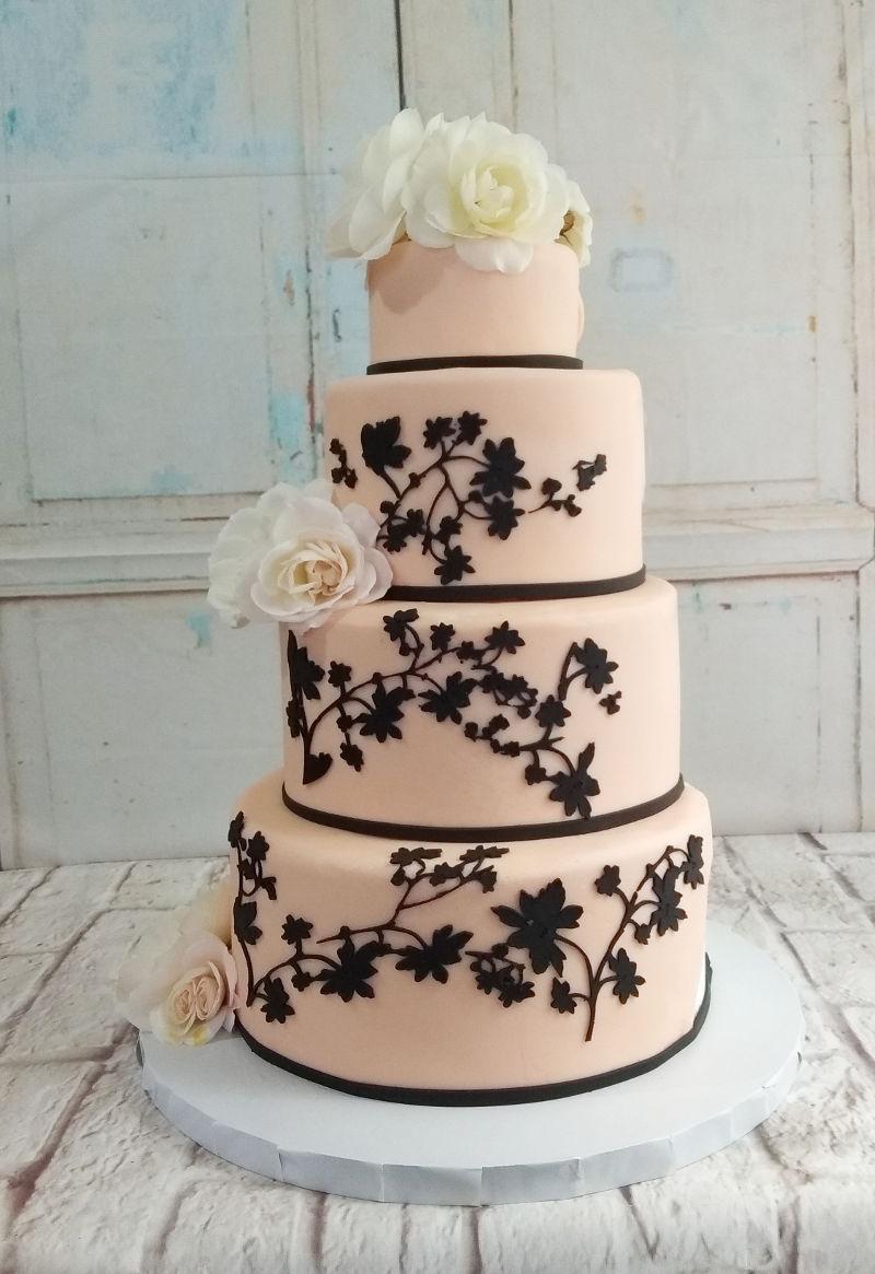 עוגת חתונה מעוצבת וכשרה