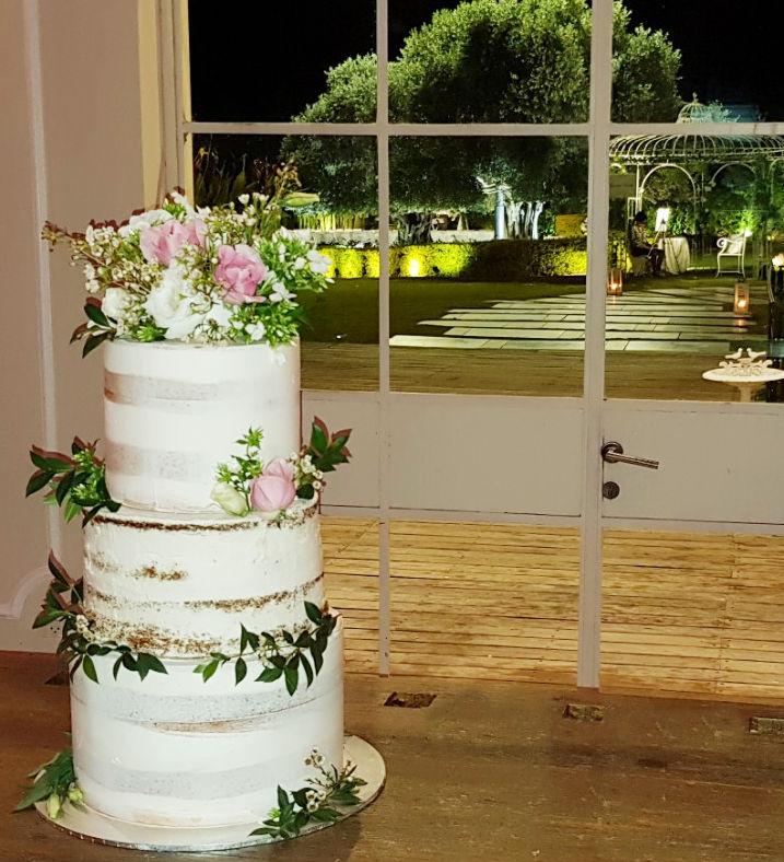 עוגת חתונה עירומה וכשרה בקומות