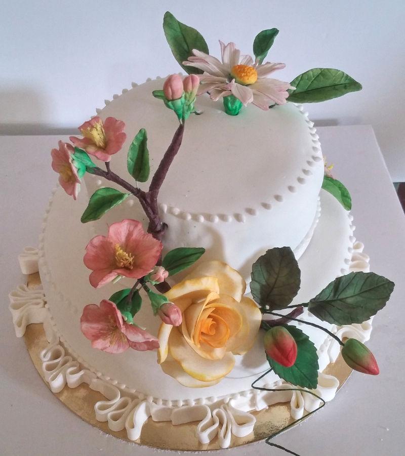 עוגת חתונה 2 קומות עם פרחים