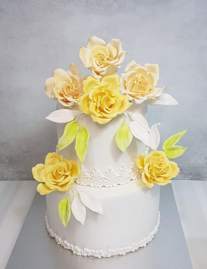 עוגת חתונה קומות עם פרחים