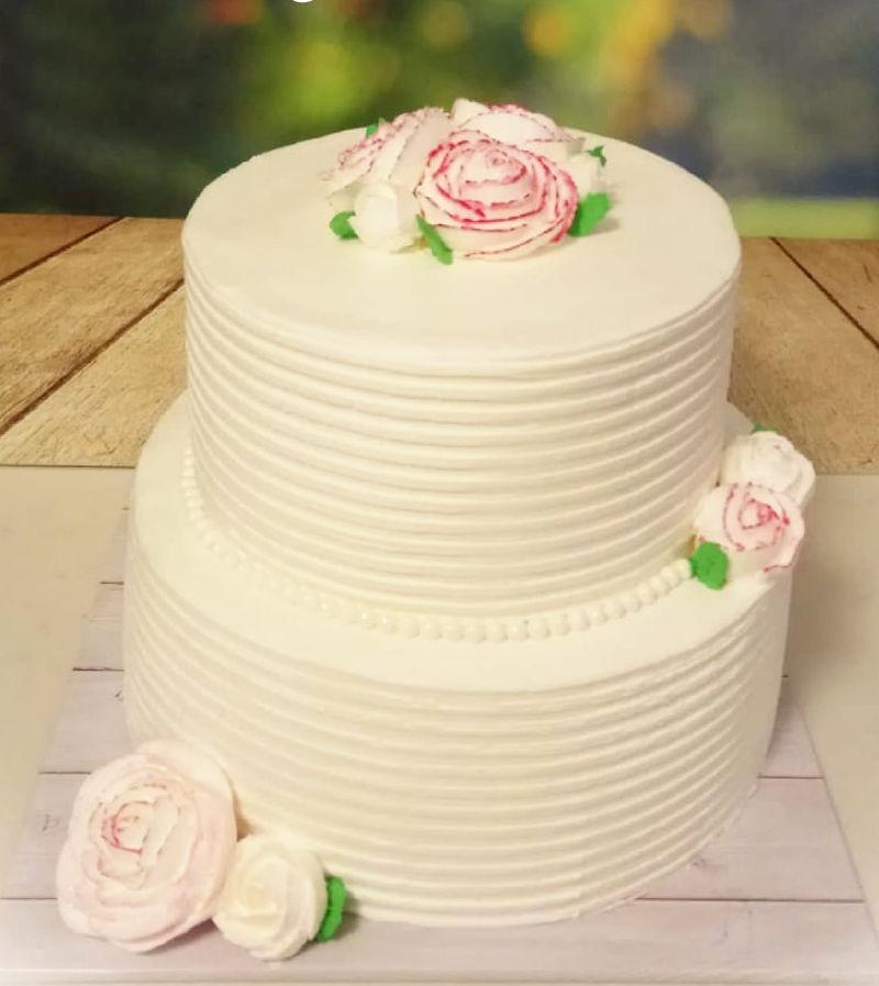 עוגת חתונה קלאסית מפוארת