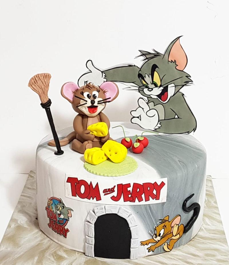 עוגת טום וגרי מבצק סוכר