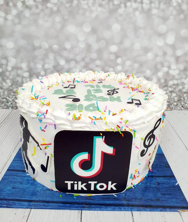 עוגת טיקטוק לבנים