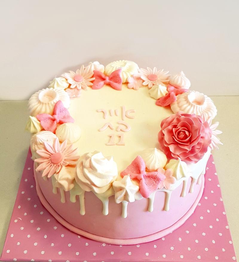 עוגת טפטופים ופרחים מבצק סוכר