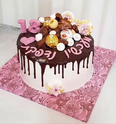 עוגת טפטופים עם ממתקים לגיל 18