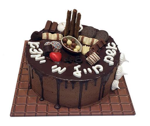 עוגת שוקולד עם טפטופי גאנש לאשת חייל