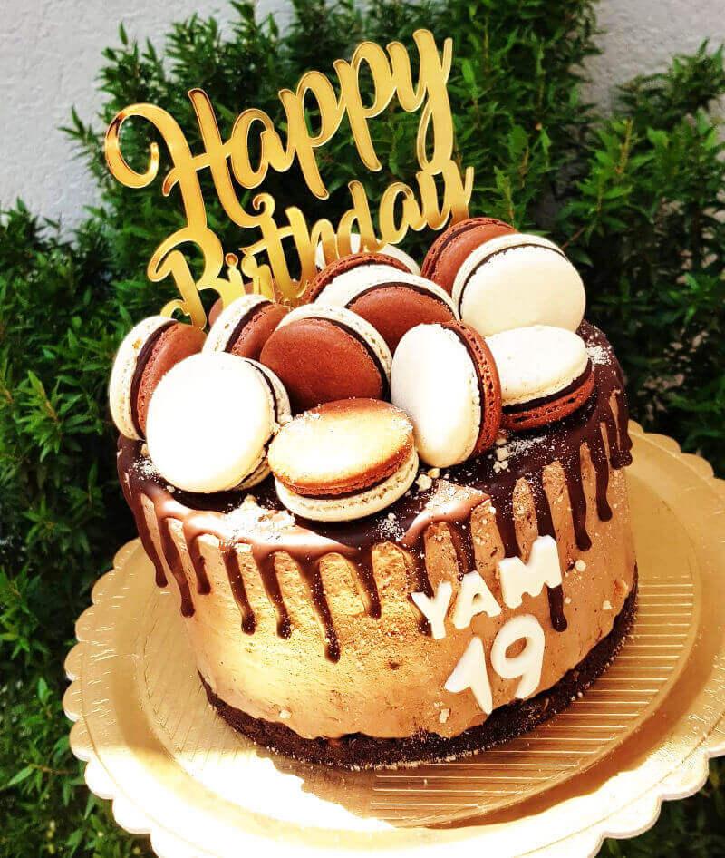 עוגת טפטופי גנאש שוקולד ומקרונים