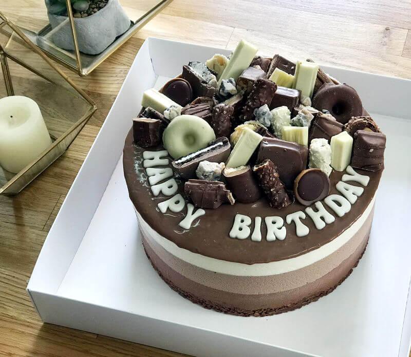עוגת טריקולד וממתקים