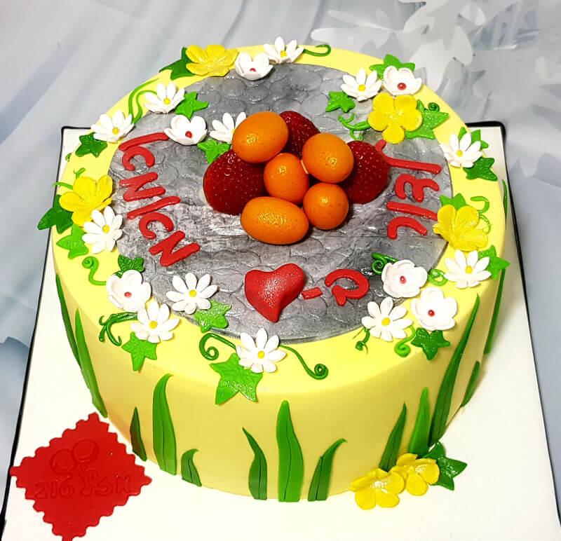 עוגת יום הולדת אביבית