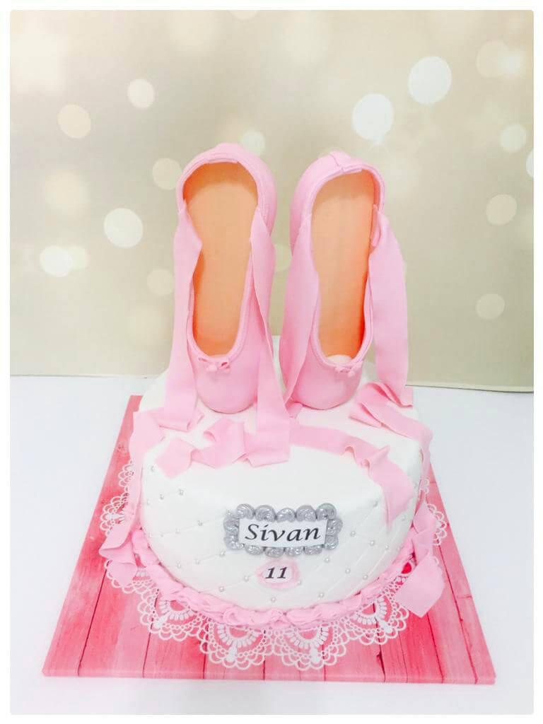 עוגת יום הולדת בלרינה