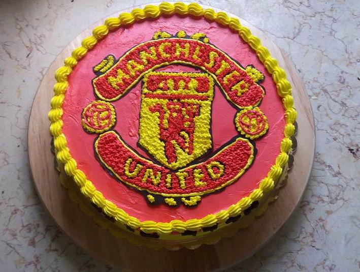 עוגת יום הולדת מנצסטר