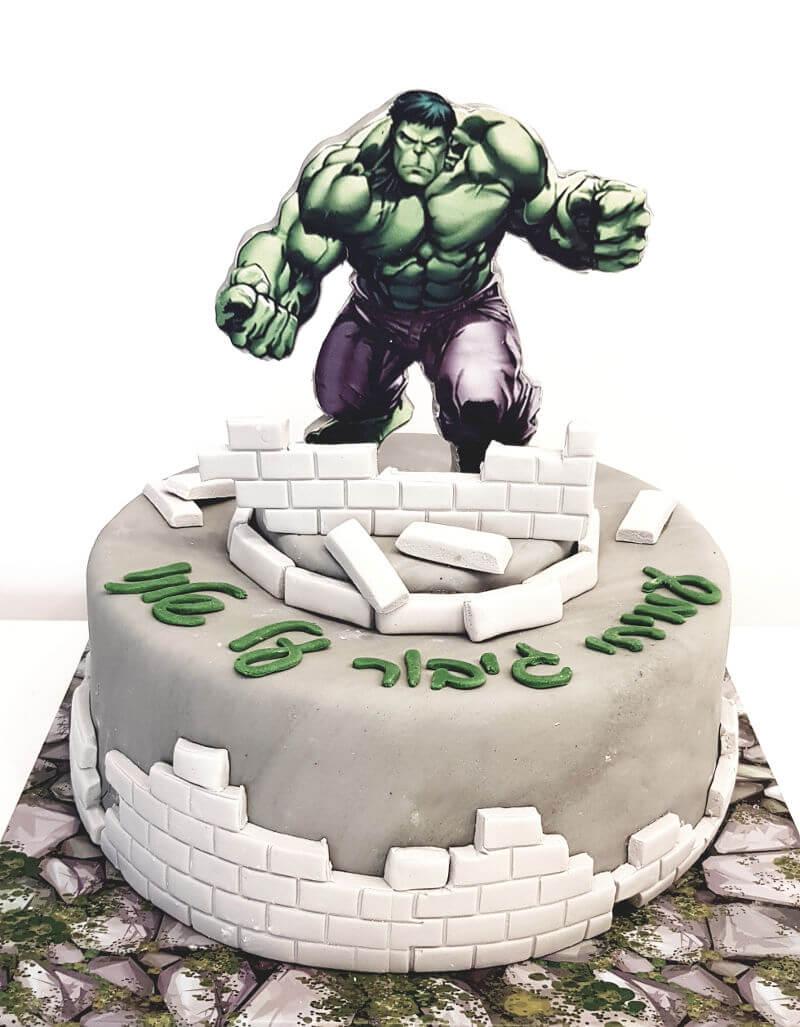 עוגת יום הולדת הענק הירוק