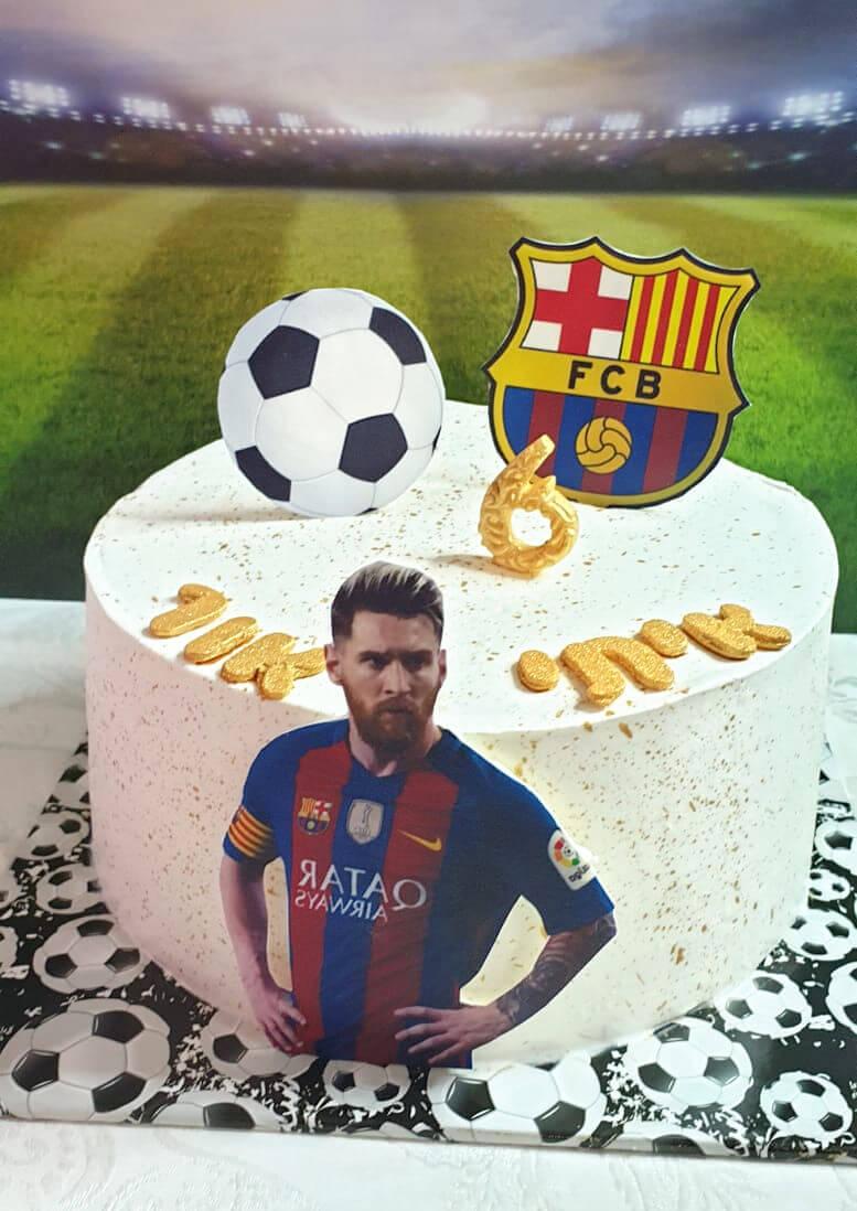 עוגת יום הולדת כדורגל בעיצוב ברצלונה