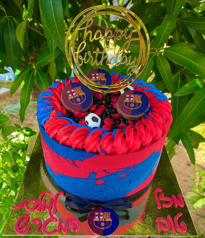 עוגת יום הולדת כדורגל ברצלונה