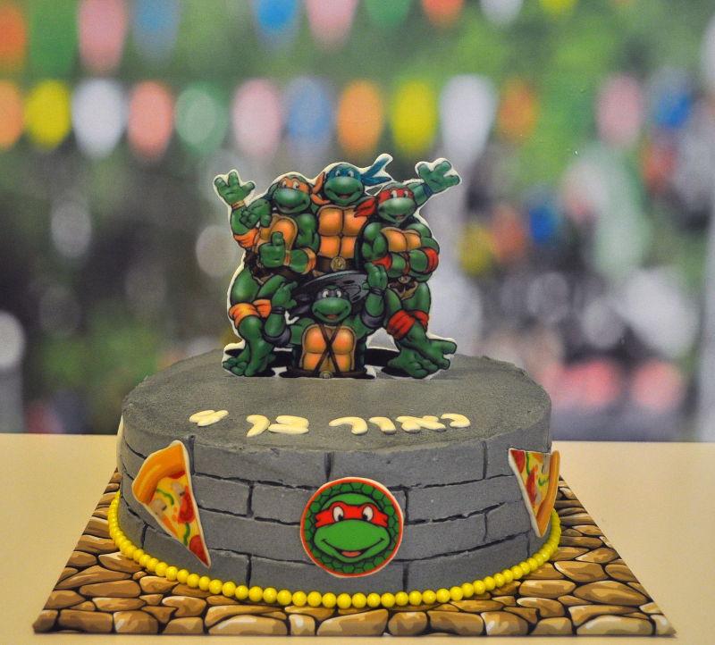 עוגת צבי הנינגה ליום הולדת בנים