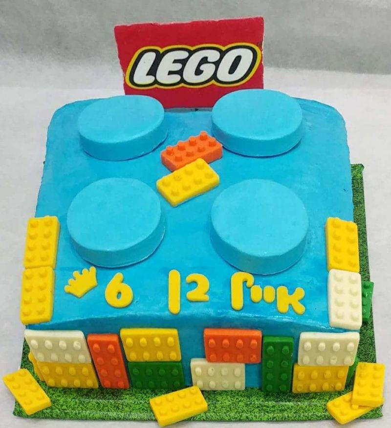 עוגת יום הולדת לבנים לגו