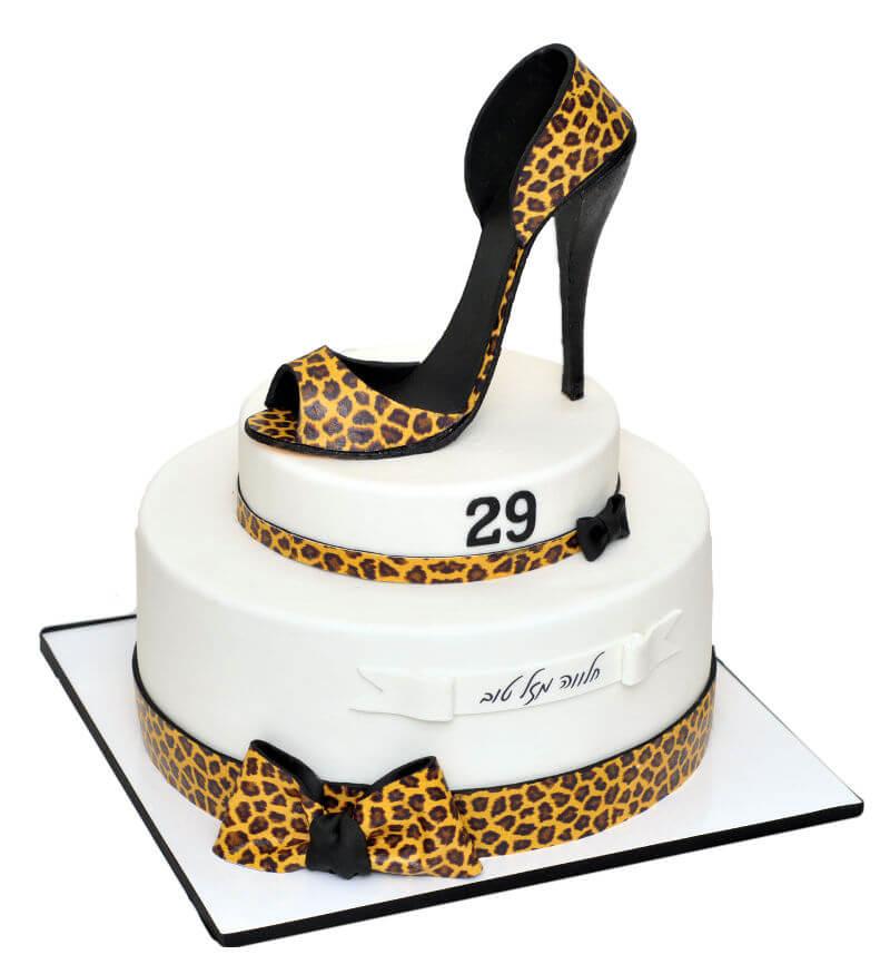 עוגת יום הולדת מיוחדת לאשה מבצק סוכר